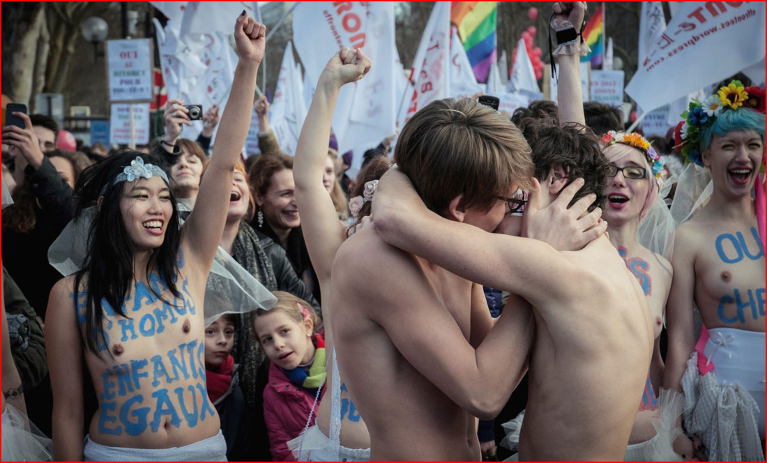 Поцелуй для всех  (гей блюсик 10556)