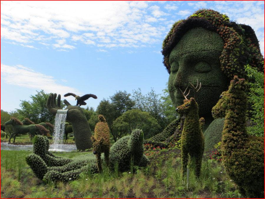 Монументальные скульптуры из растений  (гей блюсик 10747)