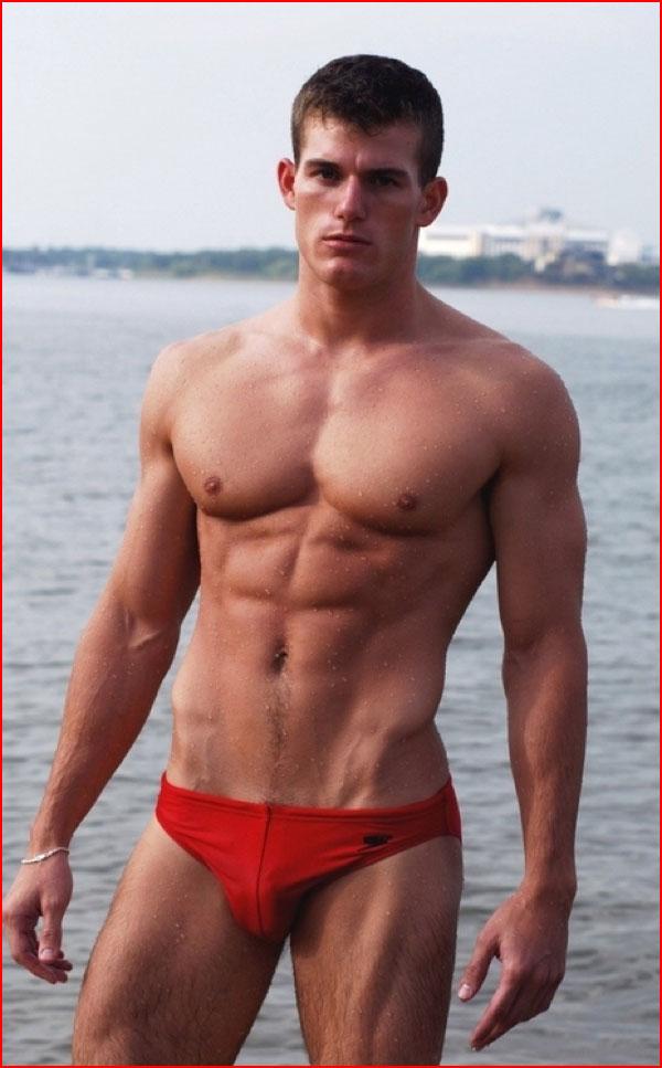 Лето, солнце, море и красивые парни  (гей блюсик 10819)