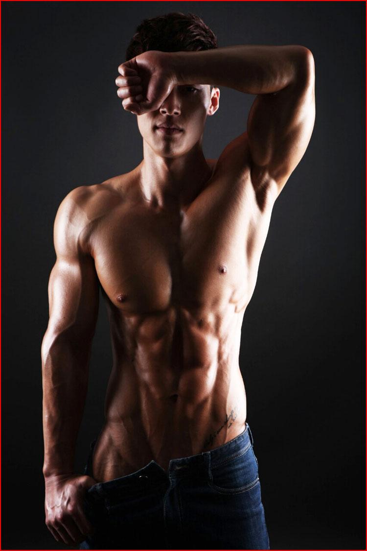 сексуальное мужское тело