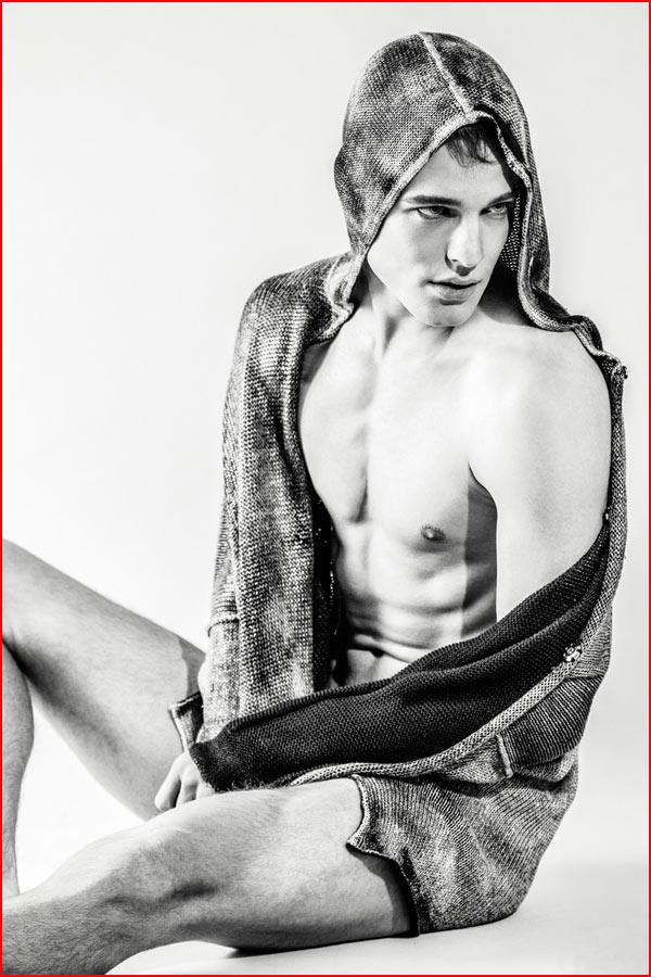 Гей модель Alessandro Esposito  (гей блюсик 11366)