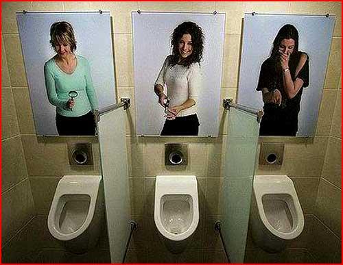 devku-trahnuli-v-tualete-na-vokzale