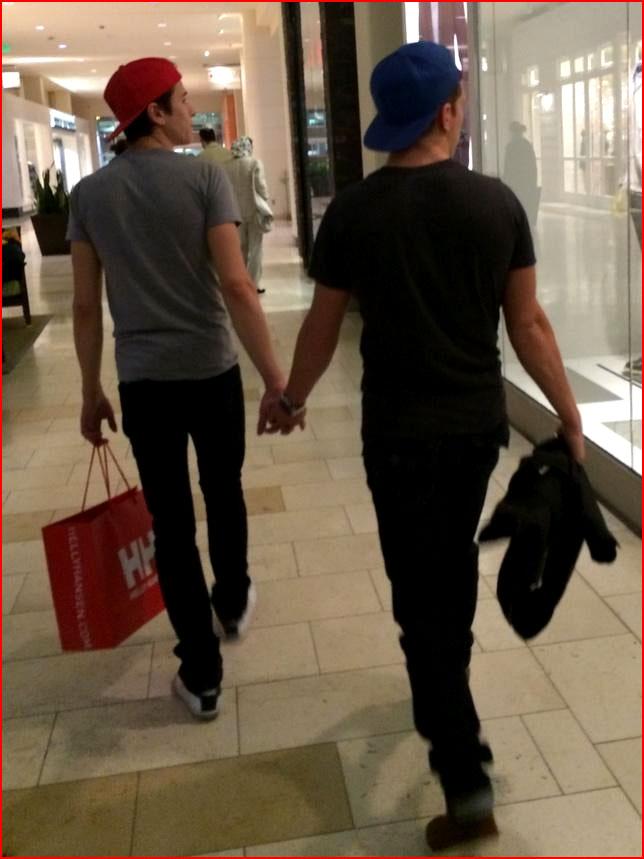 За руку с любимым  (гей блюсик 11862)