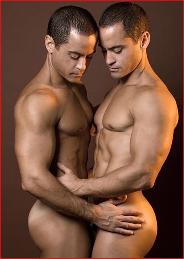 Два молодца одинаковых с лица  (гей блюсик 13992)