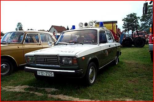Русские автомобили на службе иностранной полиции  (гей блюсик 1447)