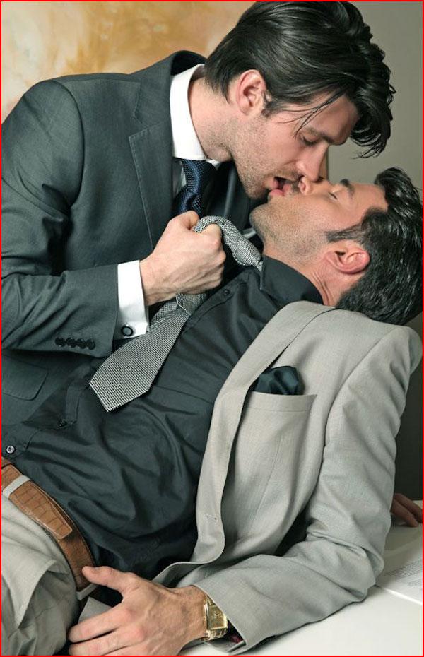 Горячие парни  (гей блюсик 15000)