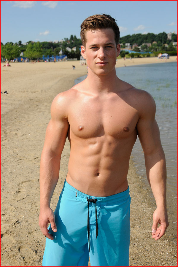 Парни с пляжа  (гей блюсик 15339)