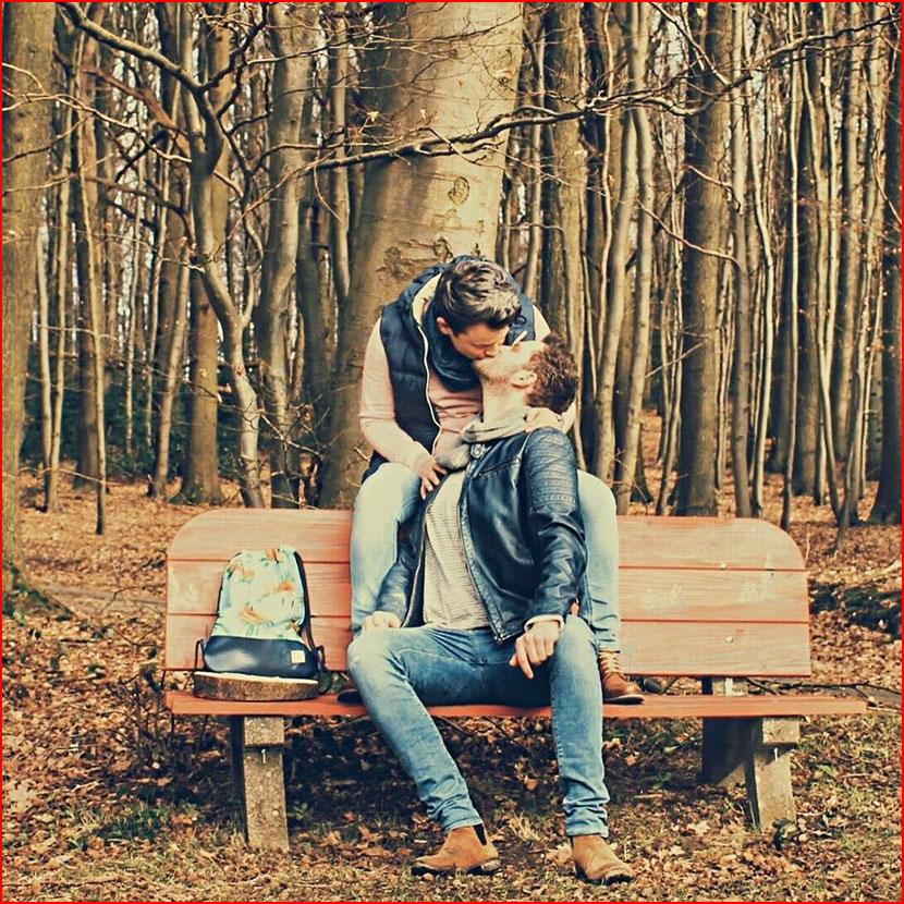 В осеннем парке  (гей блюсик 15592)