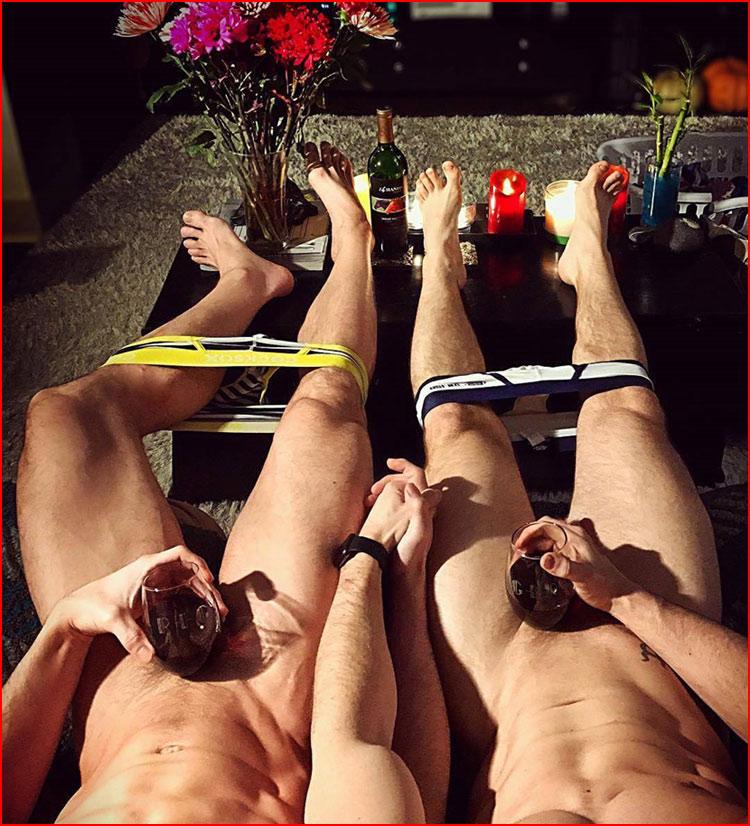 Хорошо лежим  (гей блюсик 15593)