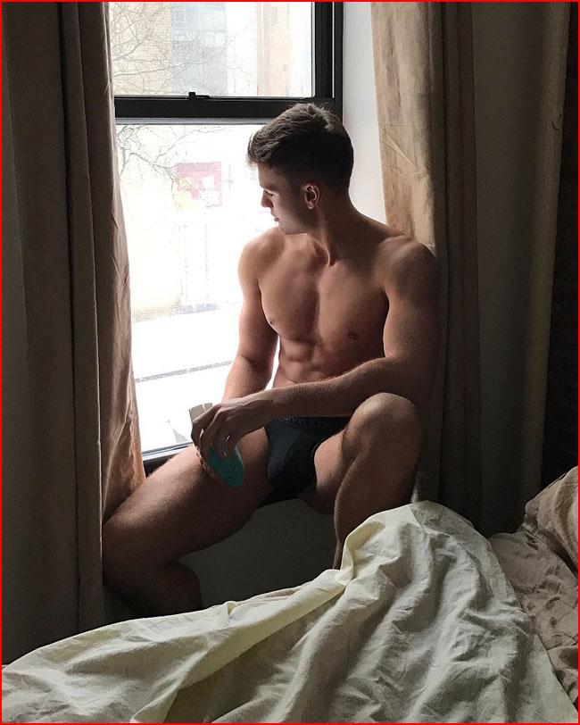 В ожидании  (гей блюсик 15822)