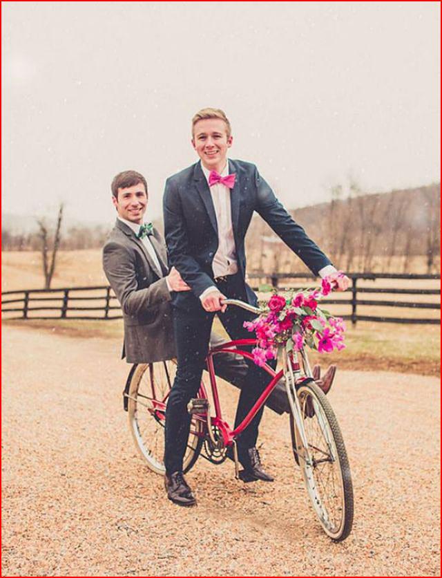 Влюблённые на велосипеде  (гей блюсик 16013)