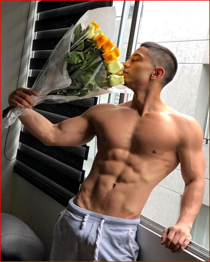 Цветы от любимого  (гей блюсик 16138)