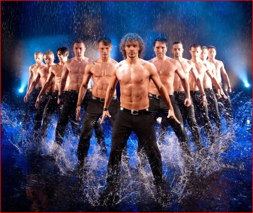 Под дождём (видео)  (гей блюсик 16445)