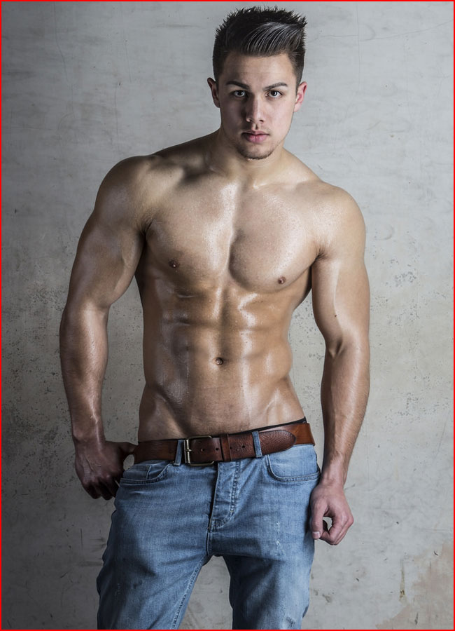 Геи парни в джинсах