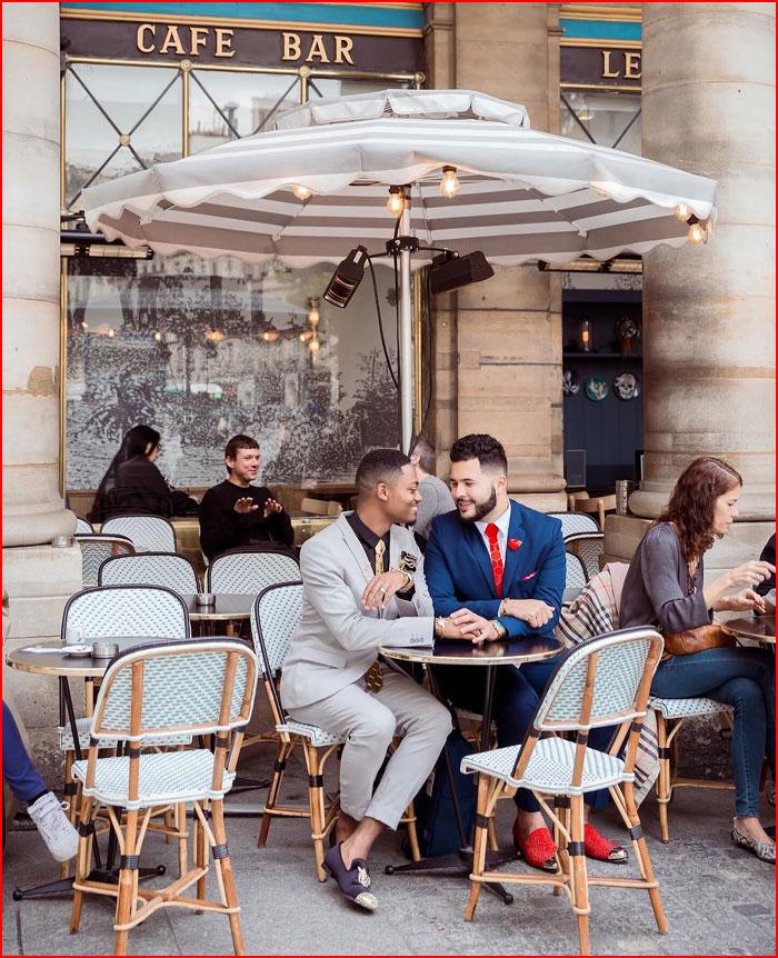 Влюблённые в кафе  (гей блюсик 16557)