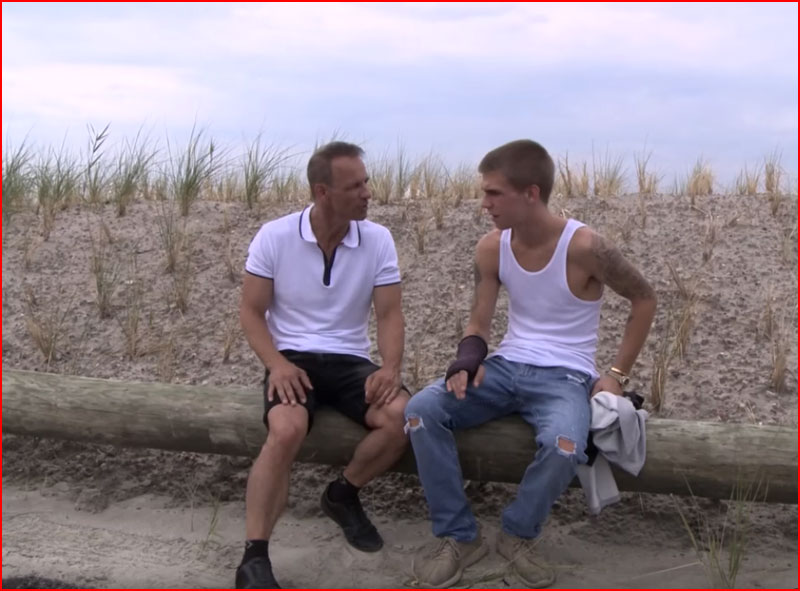 Когда друг старше (видео)  (гей блюсик 17052)