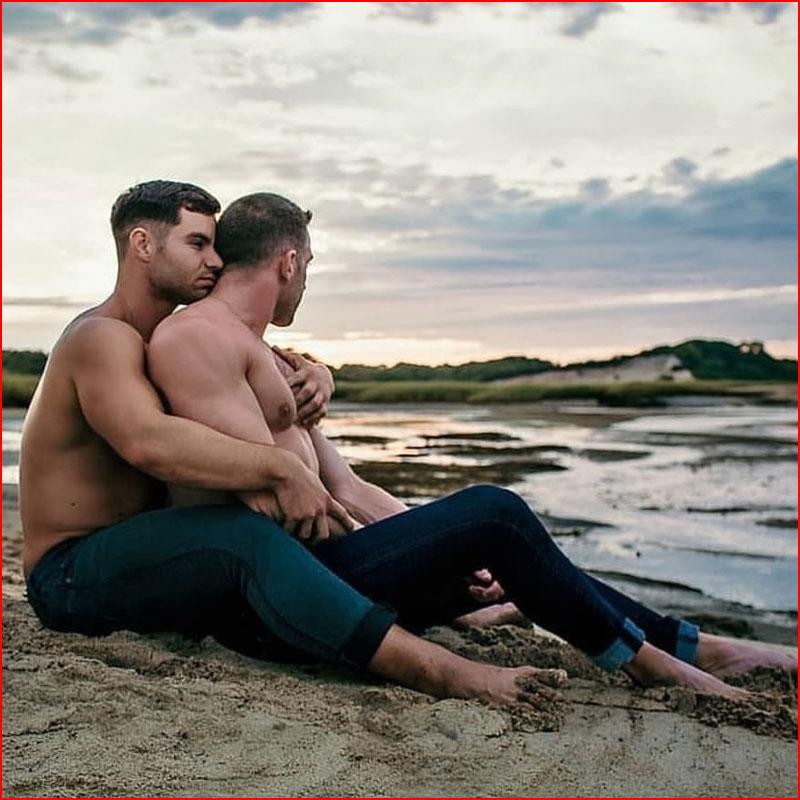 Обнимая любимого  (гей блюсик 17056)