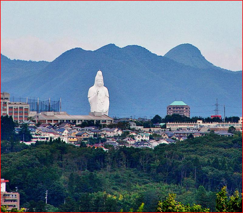 Самые высокие статуи в мире  (гей блюсик 17167)