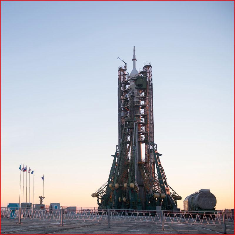 Старт космического корабля  (гей блюсик 17279)