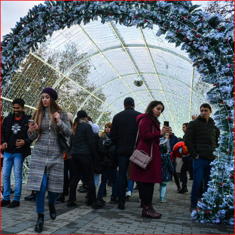 Новогодний Баку 2019. Фотозарисовка  (гей блюсик 17419)