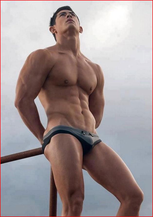 Крепкий парень  (гей блюсик 17426)