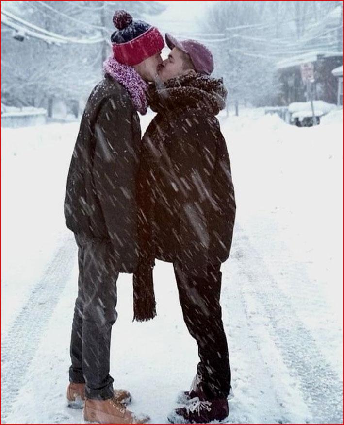 Двое под снегопадом  (гей блюсик 17440)