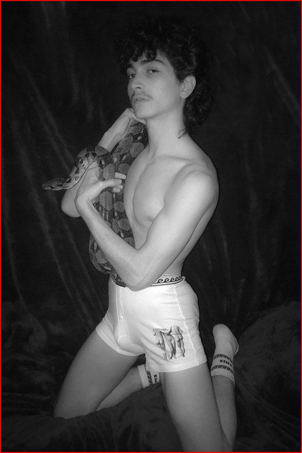 Чёрно-белая эротика  (гей блюсик 17763)