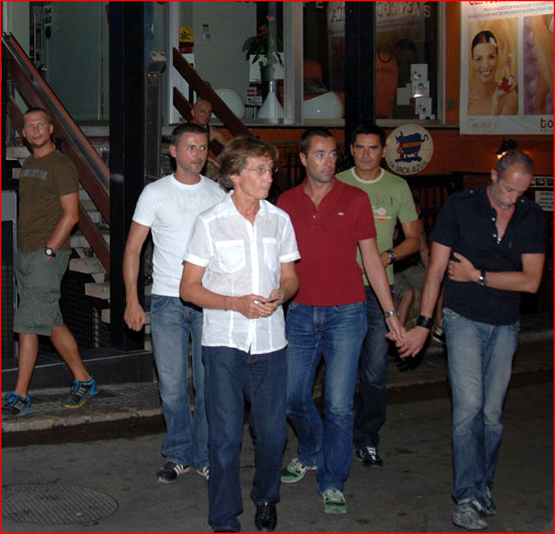 Ситжес - европейская столица гей культуры и однополой любви  (гей блюсик 17795)