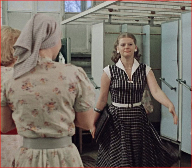 """Cовковый быт в фильме """"Москва слезам не верит"""""""