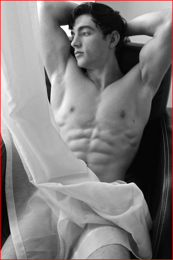 Чёрно-белая эротика  (гей блюсик 17919)