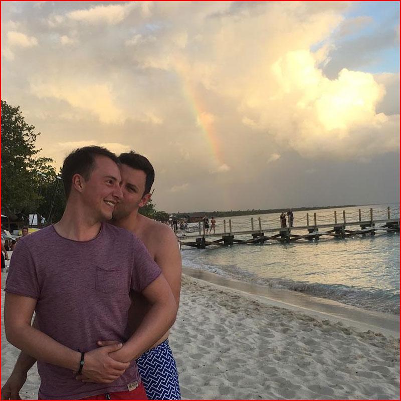 Любовь зарождается  (гей блюсик 18100)