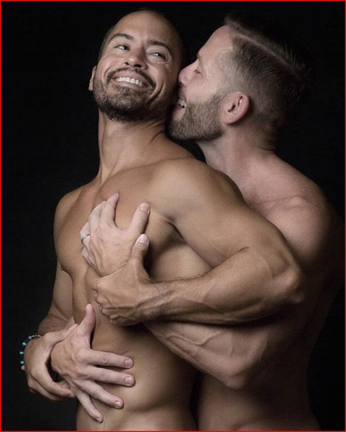 В объятиях любимого  (гей блюсик 18132)