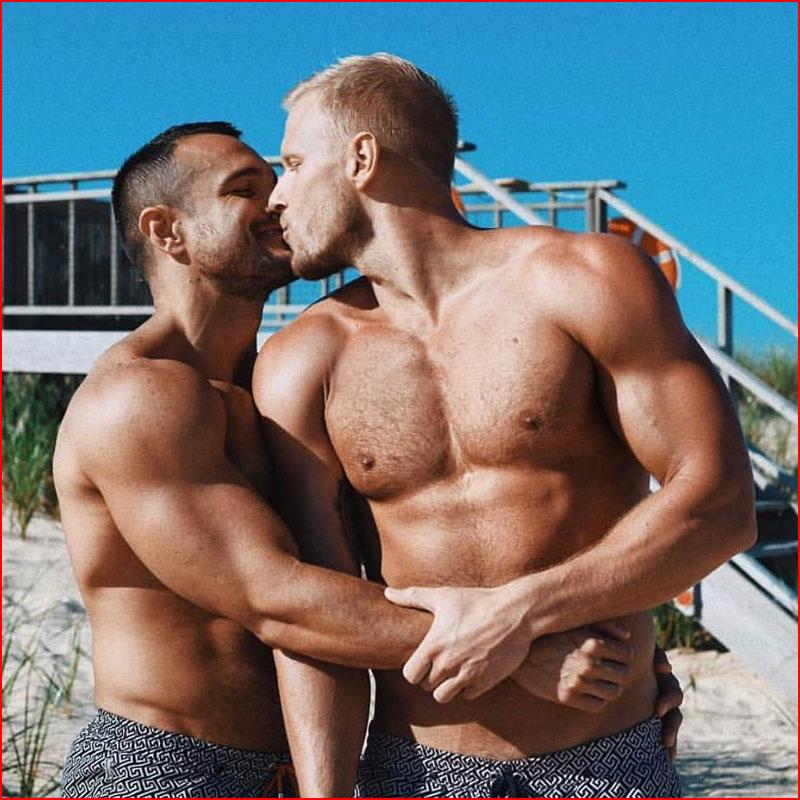 Целуй меня, целуй...  (гей блюсик 18336)