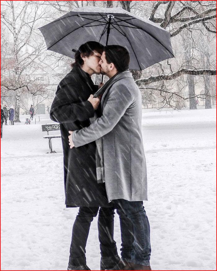 Двое под зонтом  (гей блюсик 18728)