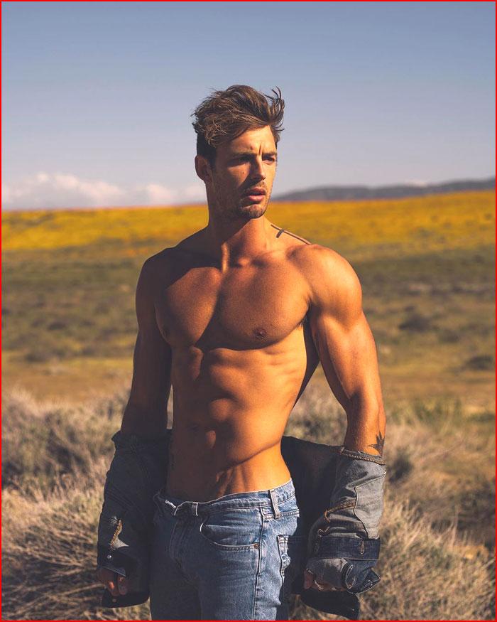 Парень в джинсе  (гей блюсик 19162)