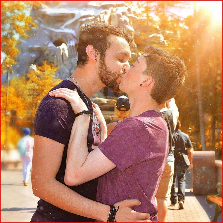 Осенний поцелуй  (гей блюсик 19912)