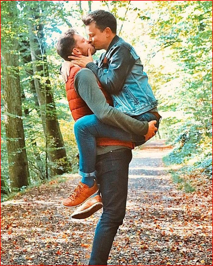 Осенняя прогулка вдвоём  (гей блюсик 19975)