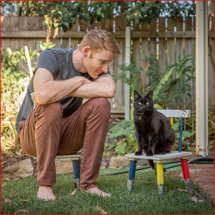 Путешествие с любимой кошкой  (гей блюсик 19991)