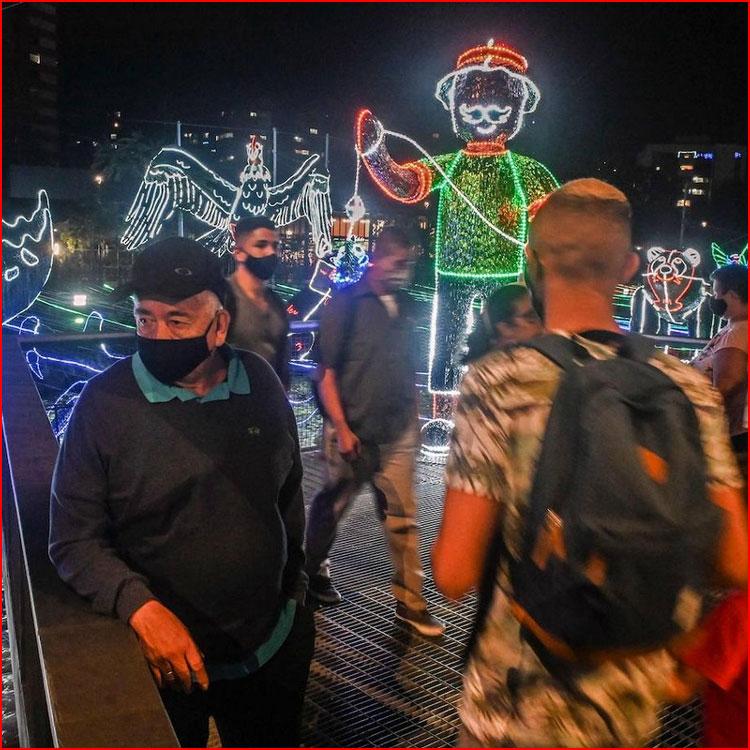 Миллионы лампочек в Медельине