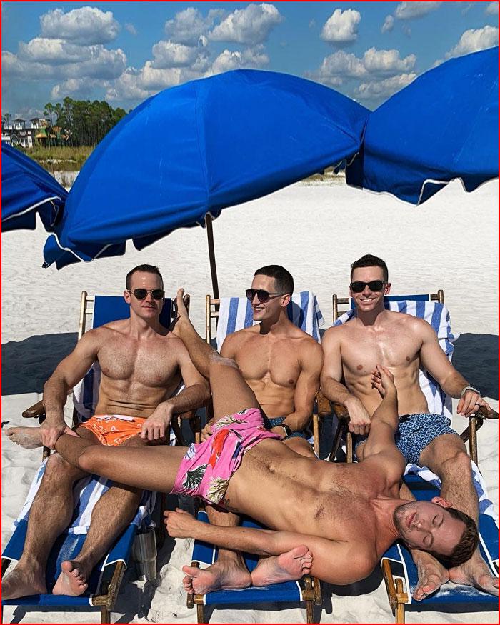 Весёлое лето Макса, Андреса и их друзей  (гей блюсик 20259)