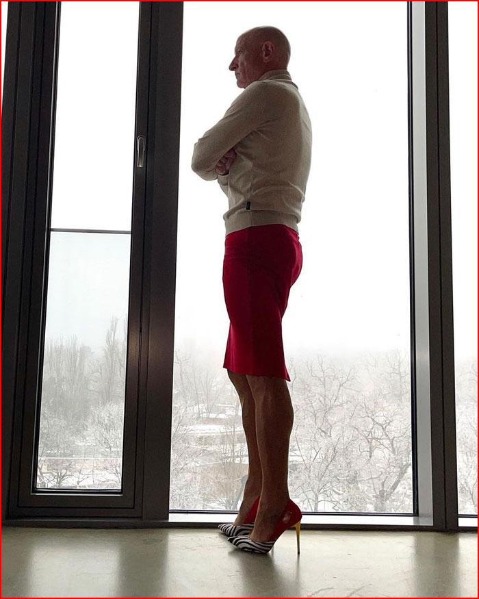 Почему мужчины примеряют женский гардероб  (гей блюсик 20411)
