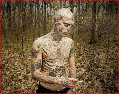 Человек-татуировка  (гей блюсик 2091)