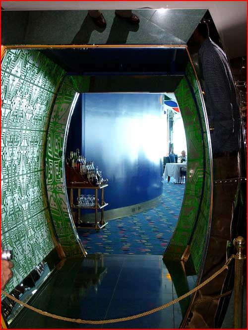 Отель Бурж Эль-Араб, Дубай, ОАЭ  (гей блюсик 299)