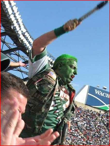 Фанаты американского футбола  (гей блюсик 3899)