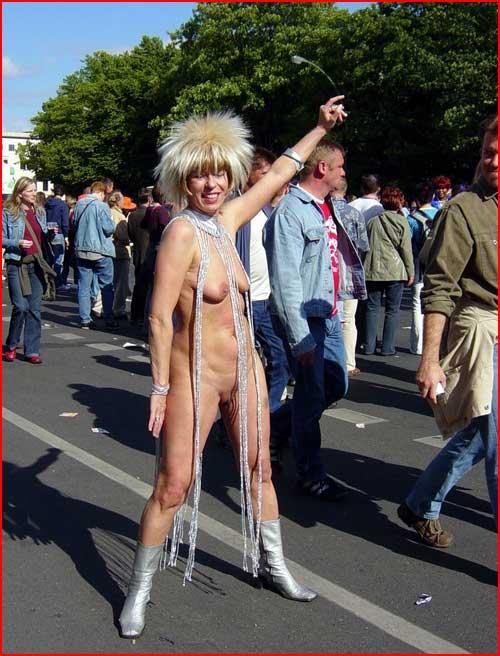 На берлинском гей-параде  (гей блюсик 400)