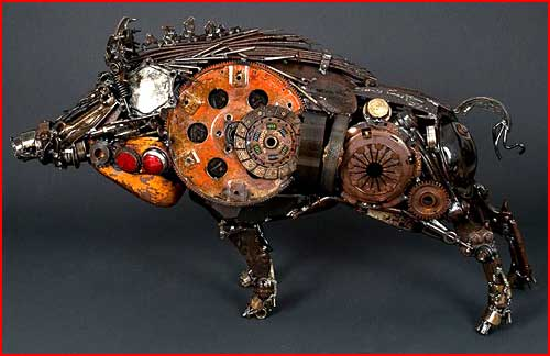 Скульптуры из старых автодеталей  (гей блюсик 4147)