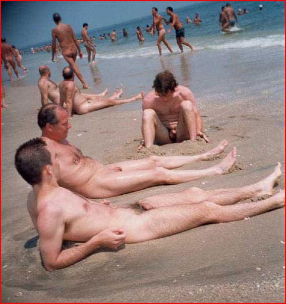 Смотреть онлайн видео с нудистских гей пляжей