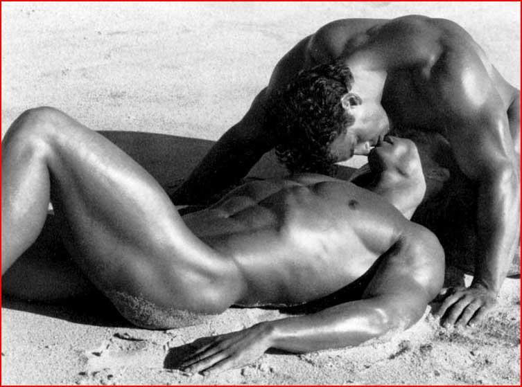Горячие губы, горячий песок  (гей блюсик 6900)