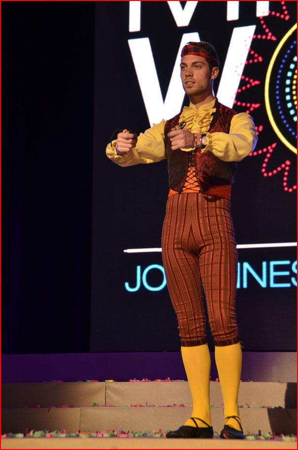 Национальные костюмы от геев  (гей блюсик 7587)