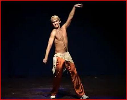 Мужской восточный танец живота (видео)  (гей блюсик 7640)